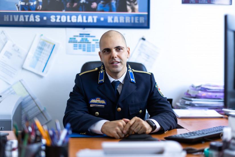 Kovács Marcell főhadnagy, az Országos Rendőr-főkapitányság (ORFK) Személyügyi Főigazgatóság Humánigazgatási Szolgálat utánpótlás-tervezési osztályának megbízott vezetője Fotó: Ancsin Gábor