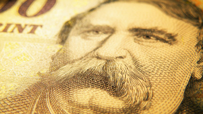 Rekordon pörög a diákhitel: több tízezren folyamodtak pénzért