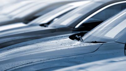 Bezuhant a használtautó-import: nem sok jóra számítanak a kereskedők