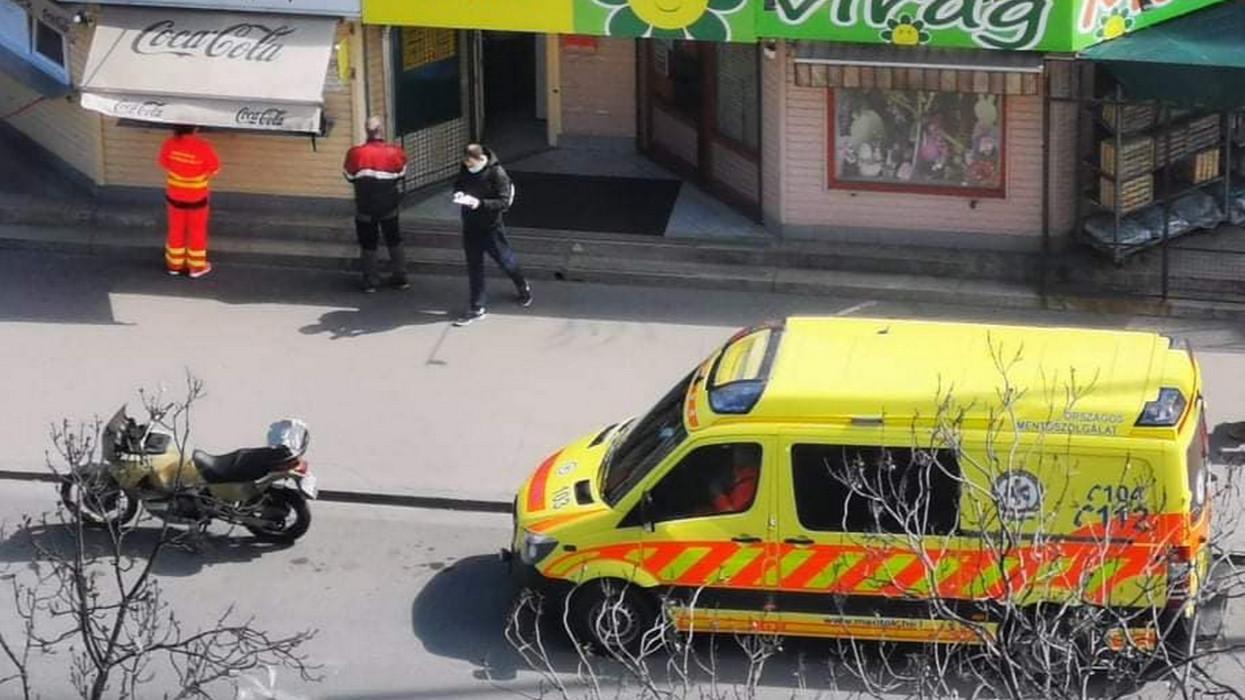 Házmesterország: feljelentette a mentősöket, mert megálltak ebédért