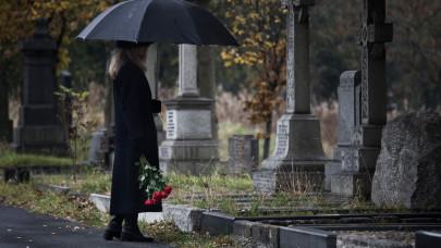 Újabb szörnyű adatok: riasztóan sok magyar özvegyült meg a járvány alatt