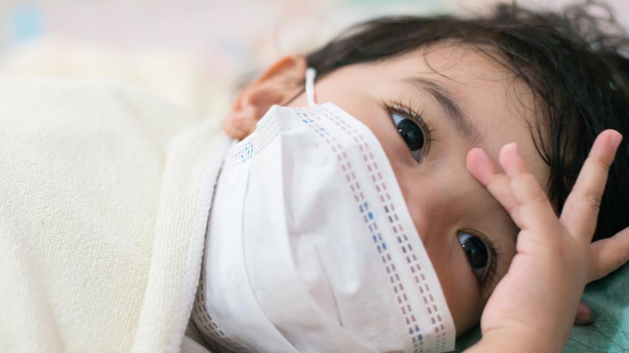 Egyre több a súlyos eset a koronavírussal ápolt gyerekeknél