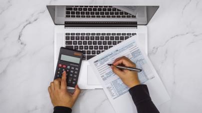 A NAV tanácsai: ezeket feltétlenül tudnod kell az idei adóbevallásodról