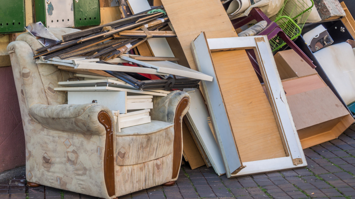 Javában zajlik a bírságidőszak: ezért 150 ezres büntetést kaphatnak az ingatlantulajok