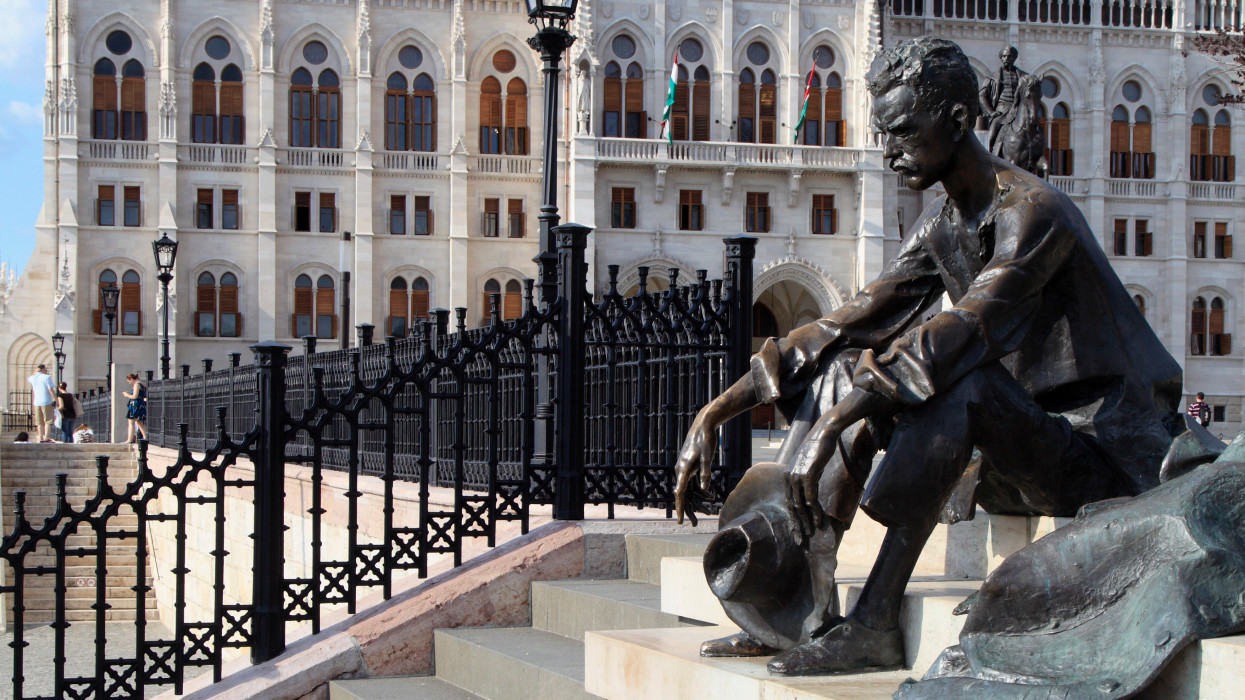 Hungary, Budapest, poet Attila József statue, Parliament,