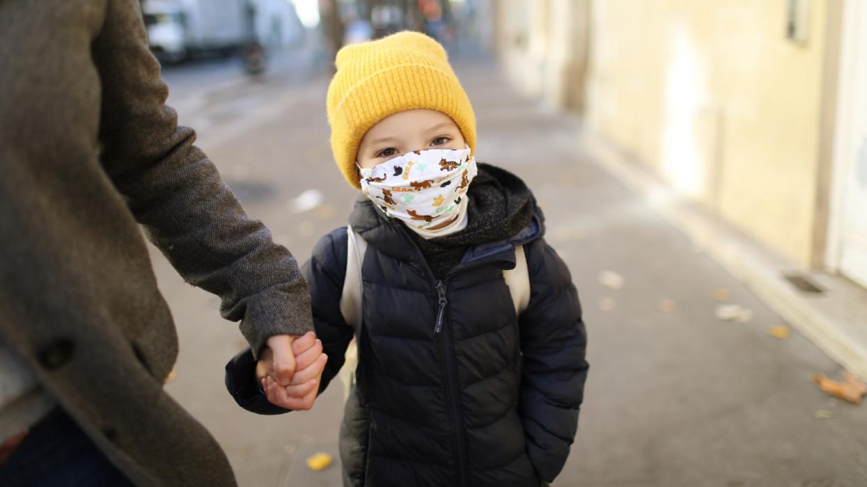 Szülők: nincs garancia arra, hogy az iskolák, óvodák újranyitása biztonságos