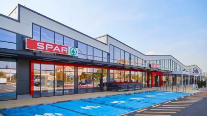 Nagy bejelentéssel nyitja a hetet a SPAR: ezekben a termékcsoportokban várható változás