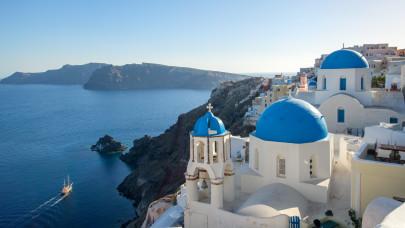 Hivatalos: karanténmentesen utazhatnak Görögországba a beoltottak