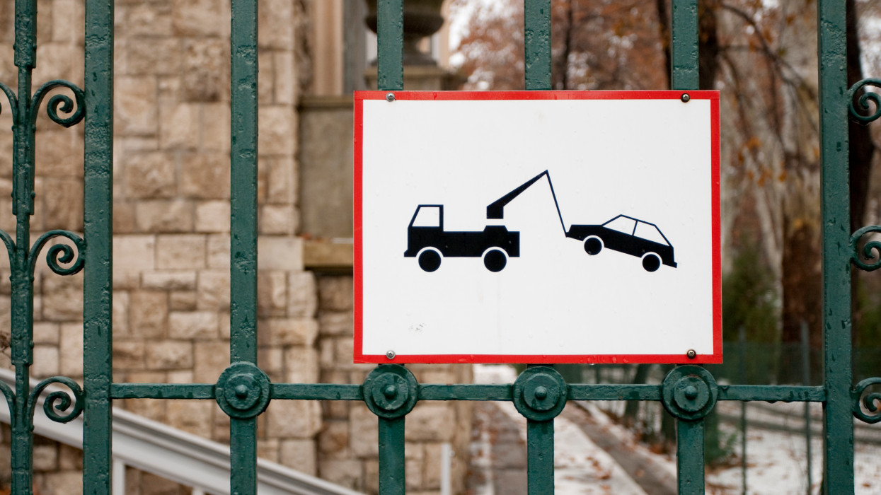 No parking sign in Budapest.
