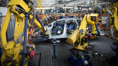 Váratlanul leállt a termelés ebben a magyar gyárban: mi lesz a dolgozókkal?