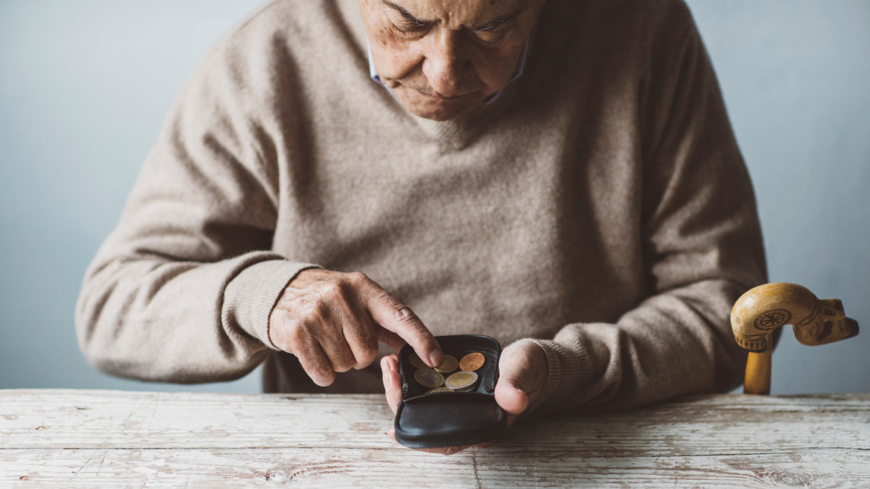 nyugdíj, nyugdíjemelés, nyugdíj-kompenzáció