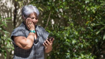 60 perc ingyen beszélgetést ad a mobilszolgáltató: a legtöbb magyar az édesanyját tárcsázza