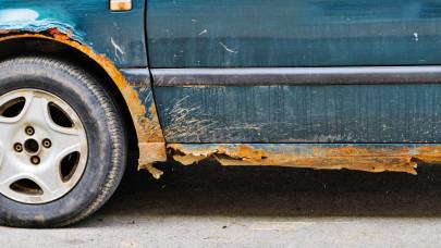 Erre futja a magyaroknak: szinte csak ősöreg autók érkeznek az országba