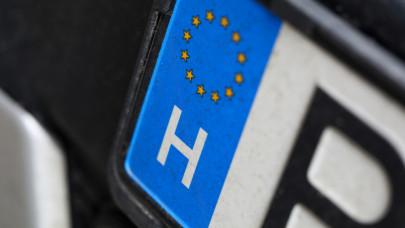 Fontos változás jön a magyar utakon: ilyen rendszámok kerülhetnek az autókra