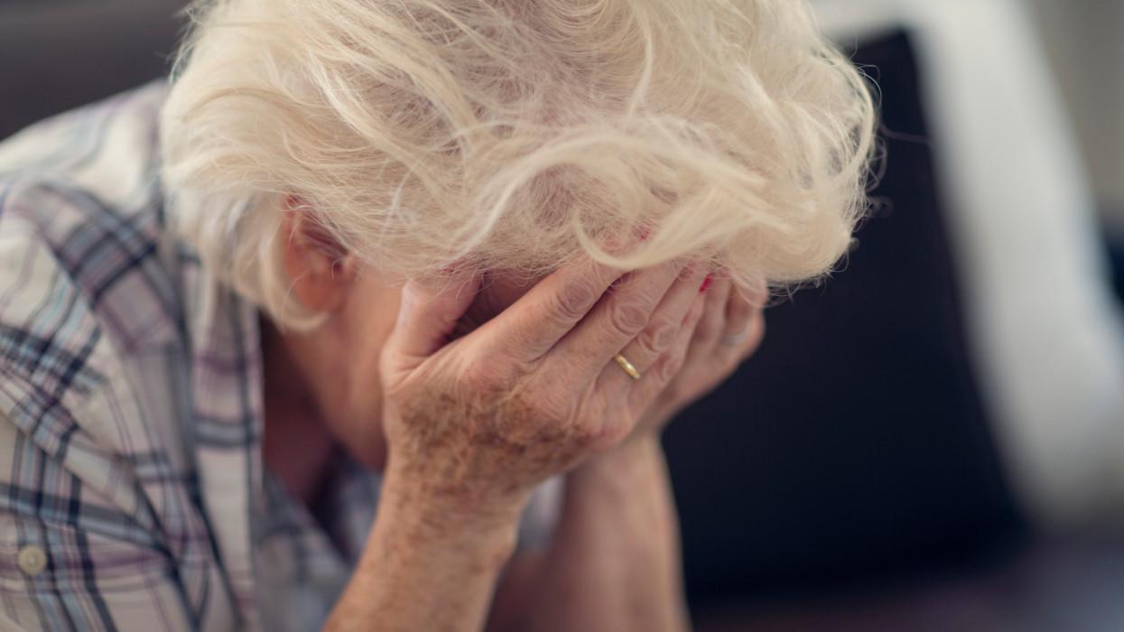 Nyakunkon a nyugdíjkatasztrófa: rengeteg magyarnak kophat fel az álla idős korára