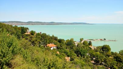Horror szállásárak a Balatonnál: százezrekbe is fájhat egy családi hosszú hétvége