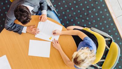 Rengetegen írtak alá ilyen hitelszerződést a múlt évben: tudnak valamit?