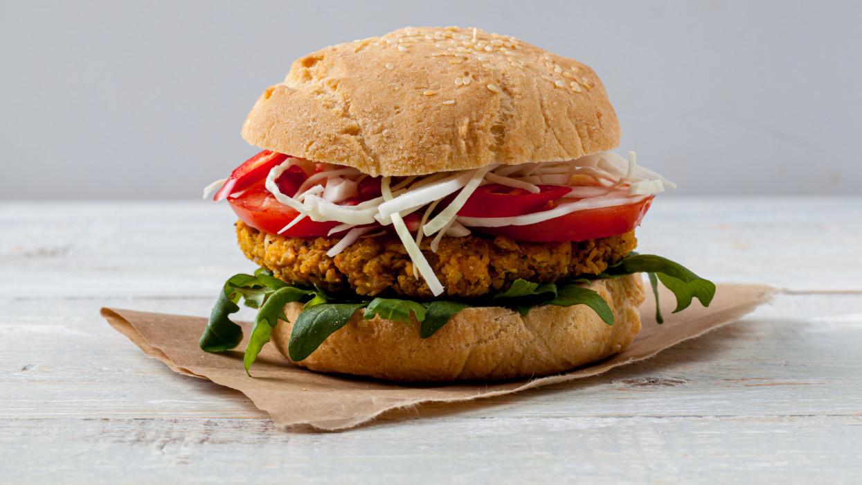 Messze még a vegán gasztroforradalom: méregdrága itthon a húsmentes hamburger