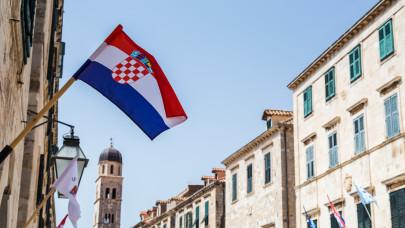 Nagyon jó hírt kaptak a Horvátországba készülő magyarok: szabad az út