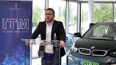 Indul a pénzosztás: ismét lehet pályázni elektromos gépjárművek vásárlásának támogatására