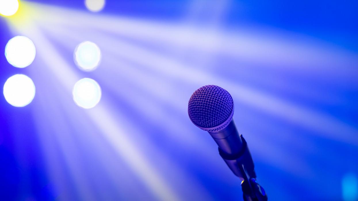 Microphone in concert lighting