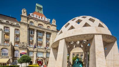 Nem érdemes próbálkozni: védettségi kártya nélkül nem fogadnak a szállodák