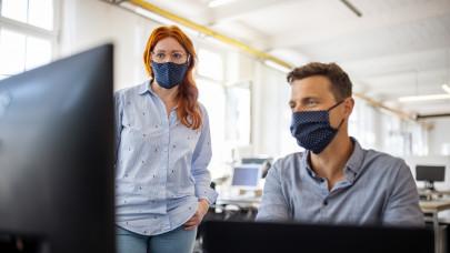 Káosz a magyar cégeknél: csőd is lehet belőle, ha 2021-ben sem tartják be ezt a szabályt