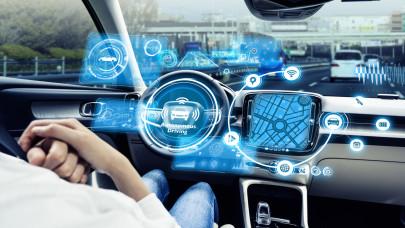 Fontos változás jön az utakon: 2022-től csak ilyen új autót engednek a forgalomba