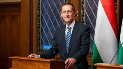 Adócsökkentést jelentett be Varga Mihály: két adónemet is eltörölnek