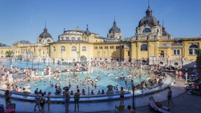 Őrült sok brit turista látogat ebbe a magyar fürdőbe: mind gyógyulni akarnak