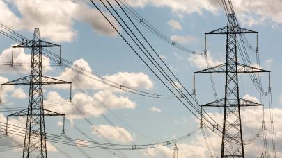 Vizsgálódik a hatóság: valami nem stimmel az áramszolgáltatók háza táján?