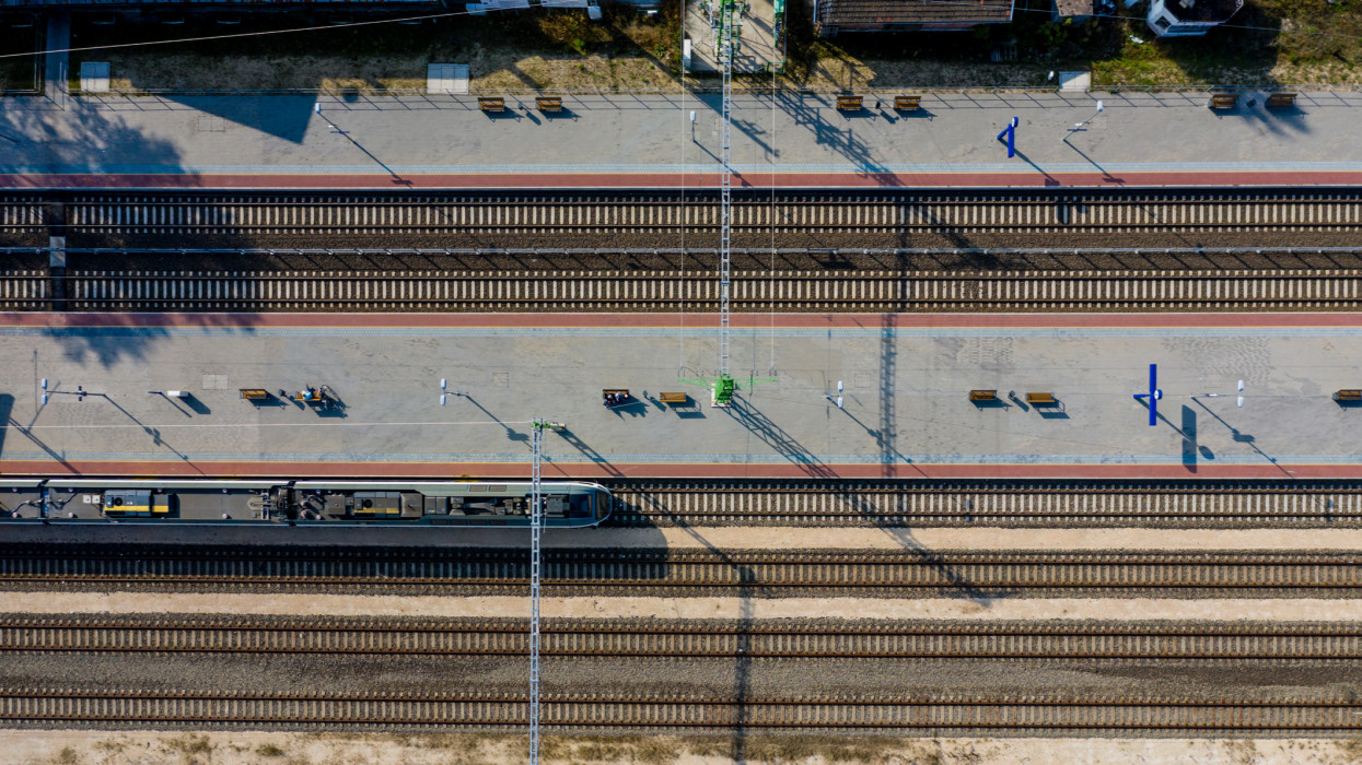 platform, budapest, railroad, sation, aerial view