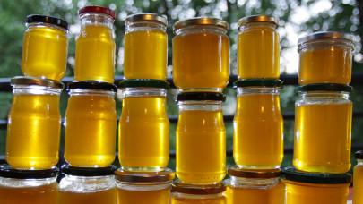 Elárasztotta a piacot az olcsó ukrán méz: kell félni tőle?