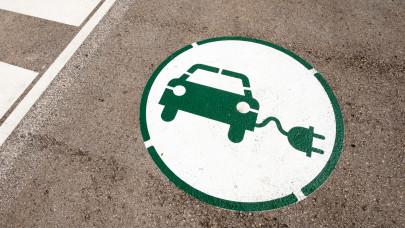 Újra indul az e-autó láz Magyarországon: sokan akarnak ilyen autókat vásárolni