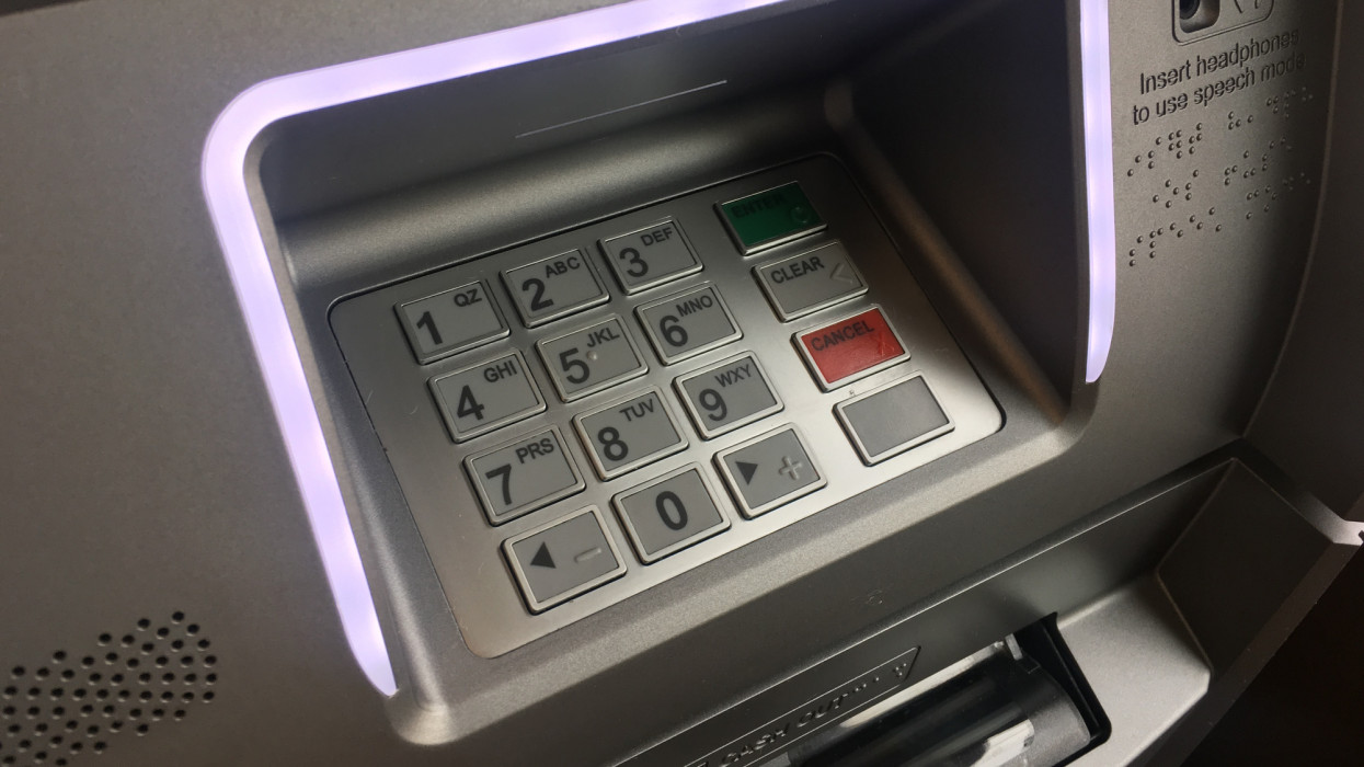 Félrevezethette üzletfeleit egy bankkártya-terminálokat telepítő cég