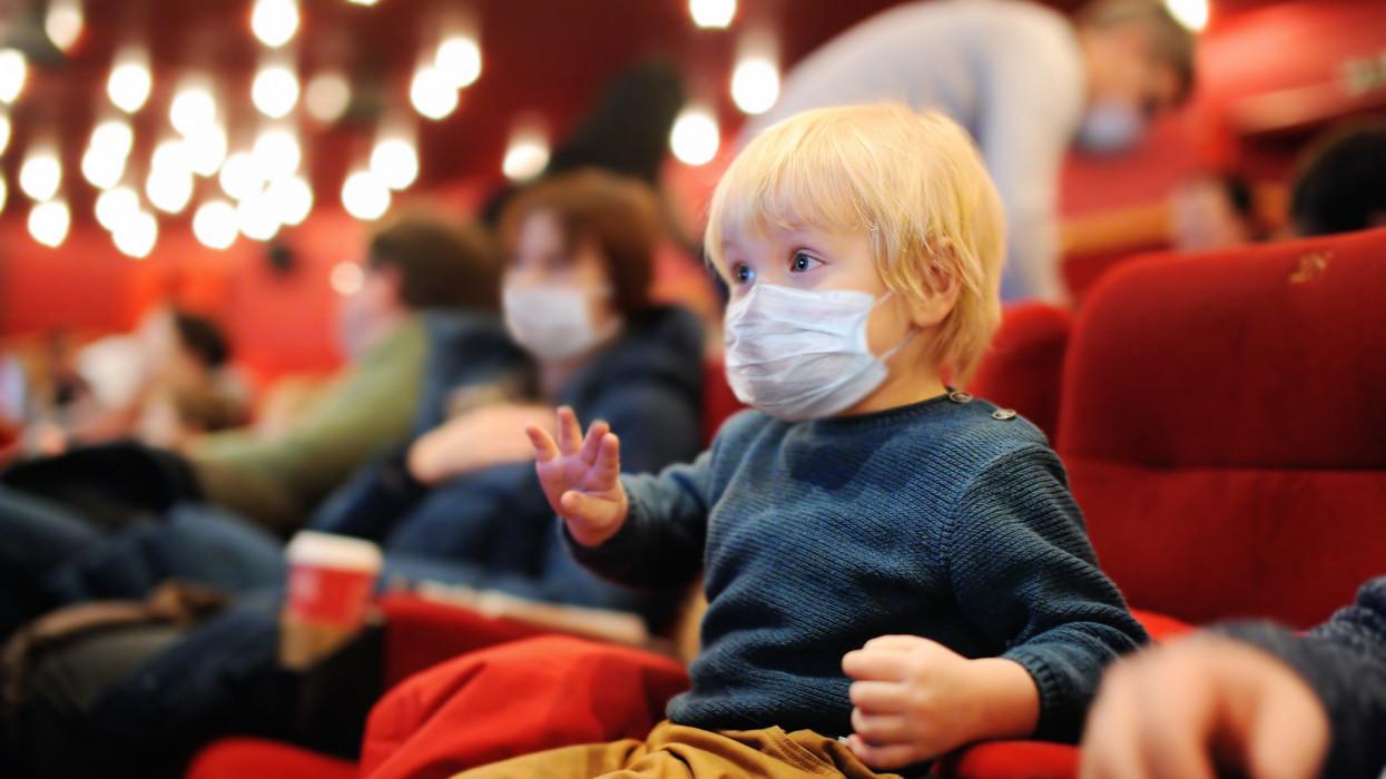 Most akkor kell maszk a moziban, színházban, vagy nem? Pont került az ügy végére