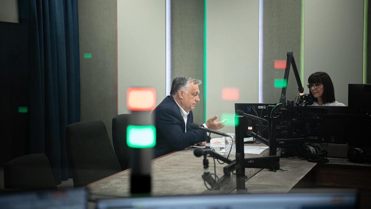 Orbán Viktor: megszűnik a kijárási tilalom, eltöröljük a kötelező maszkhasználatot