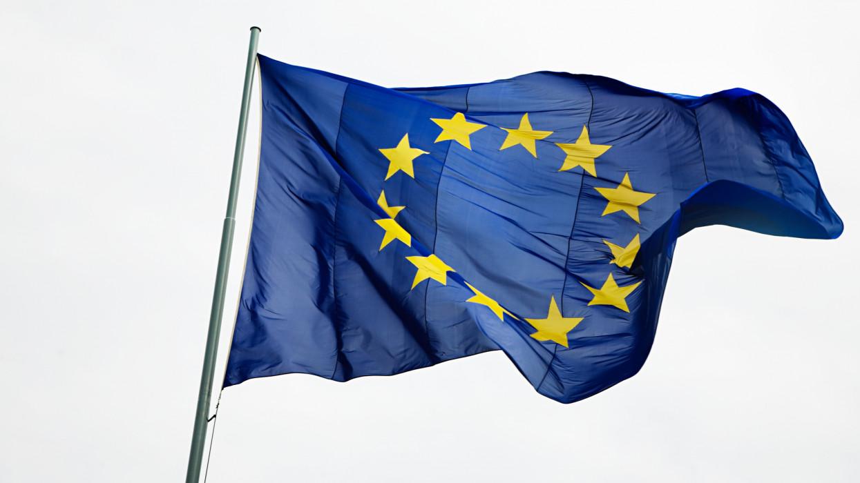 Végre megszületett az egyezség az uniós védettségi igazolványról: csak ezt 4 vakcinát fogadják el