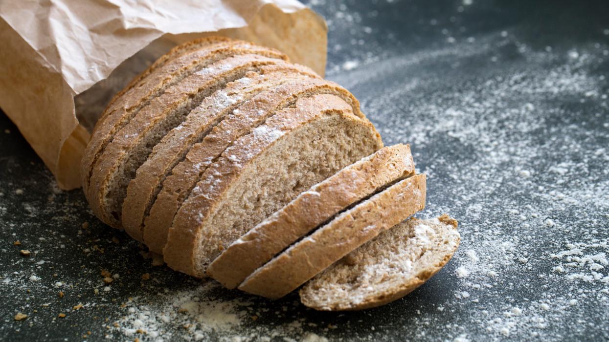 Küszöbön az áremelés: jócskán megdrágulhatnak a pékáruk, kenyerek