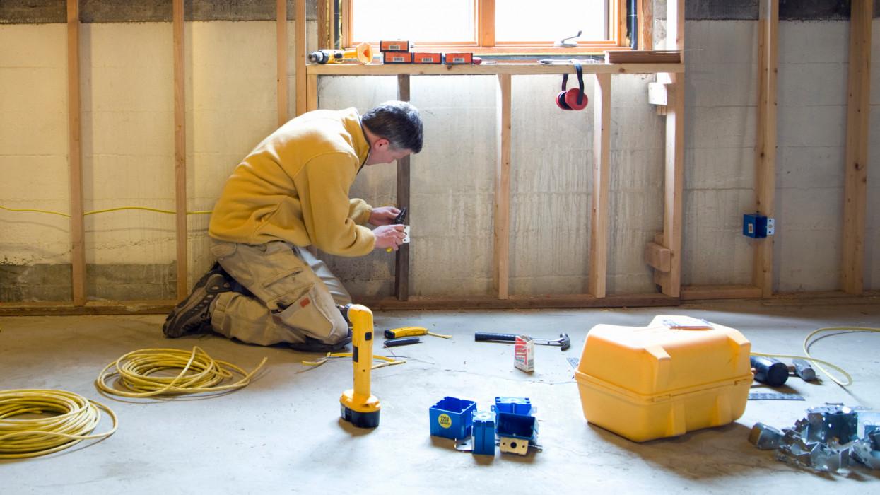 Egyre több a kontár szaki a felújítási lázban: így találd meg a legjobb villanyszerelőt