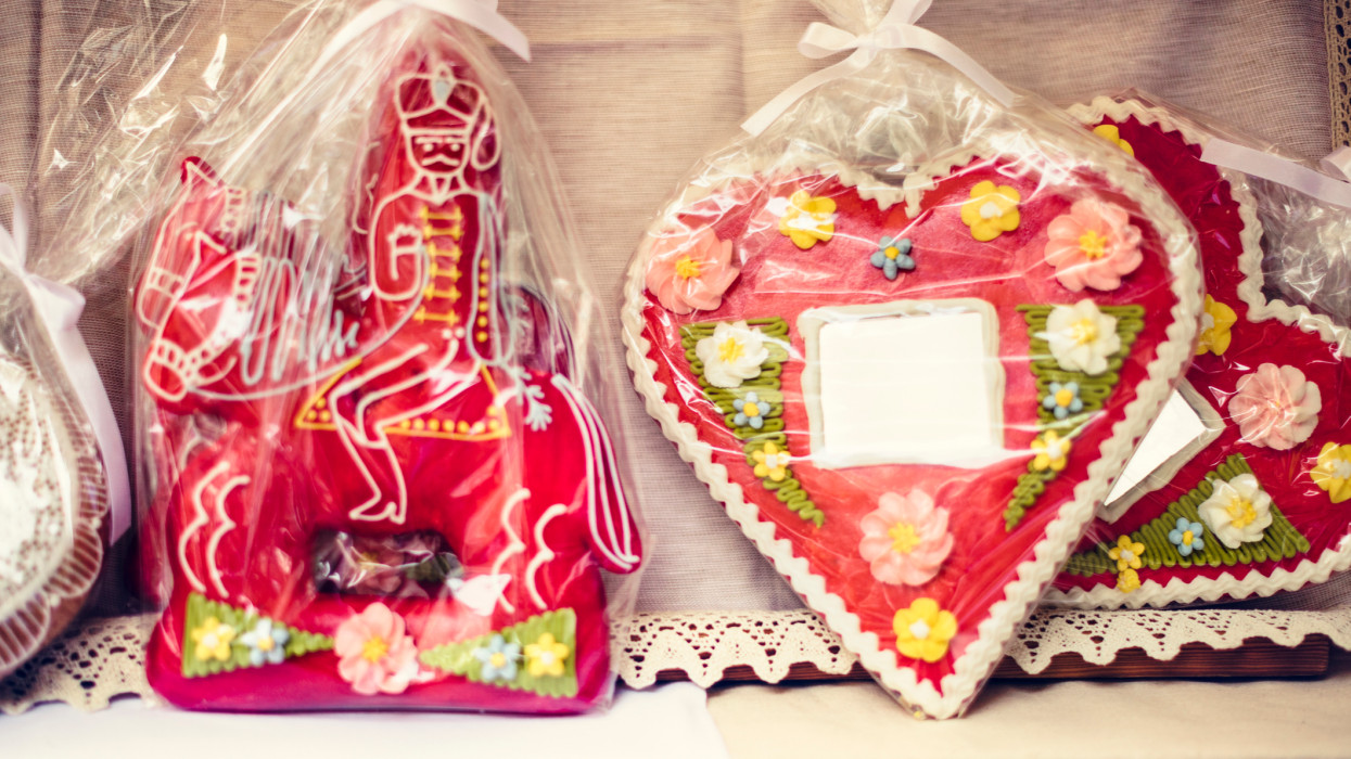 Gingerbread Cookie Heart and Hussar