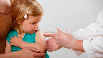 Rengetegen kisgyerek kapott már ilyen oltást: a koronavírus ellen is hatásos lehet
