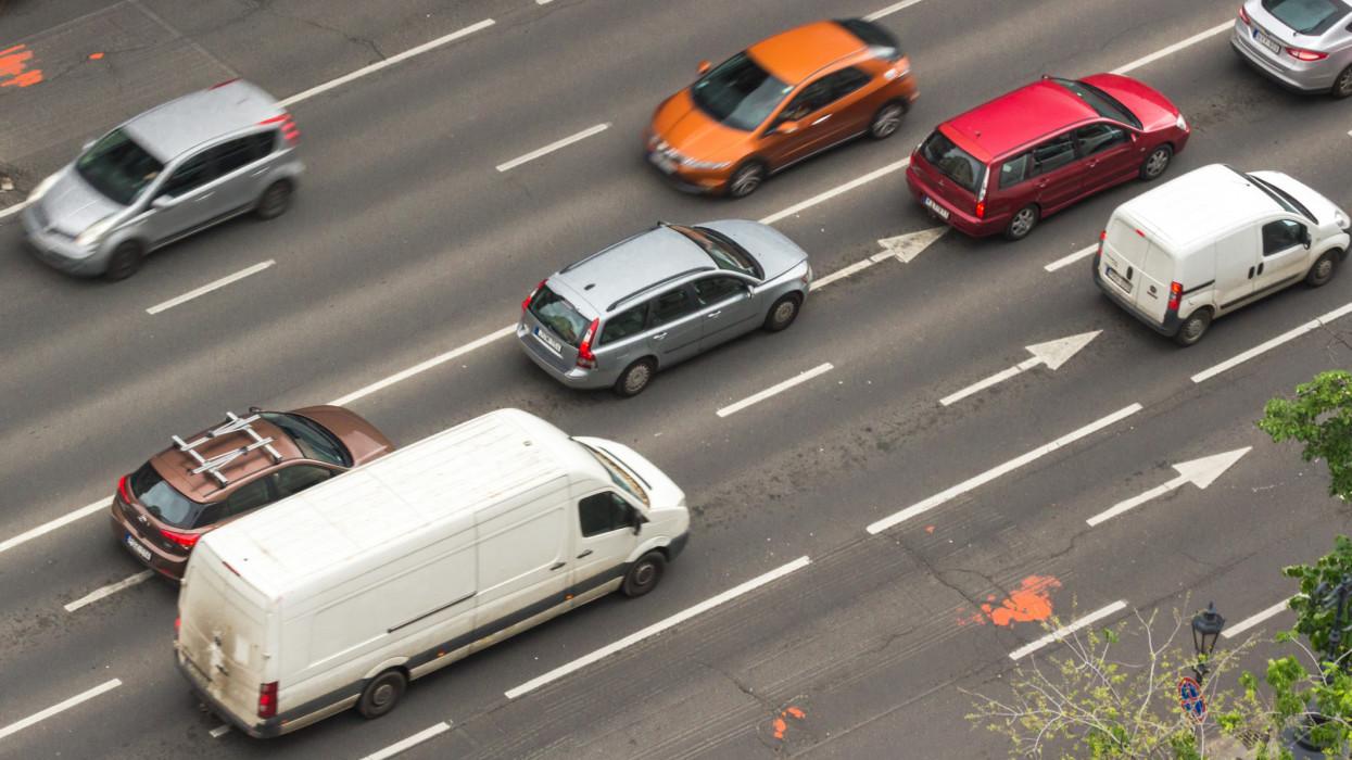 Gyorshajtók, bicajosok, tahók: ezek a legidegesítőbb dolgok az utakon