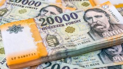 Szoríthatnak ezek a magyar családok: ha ez bejön, akár milliós ingyenpénz is ütheti a markuk