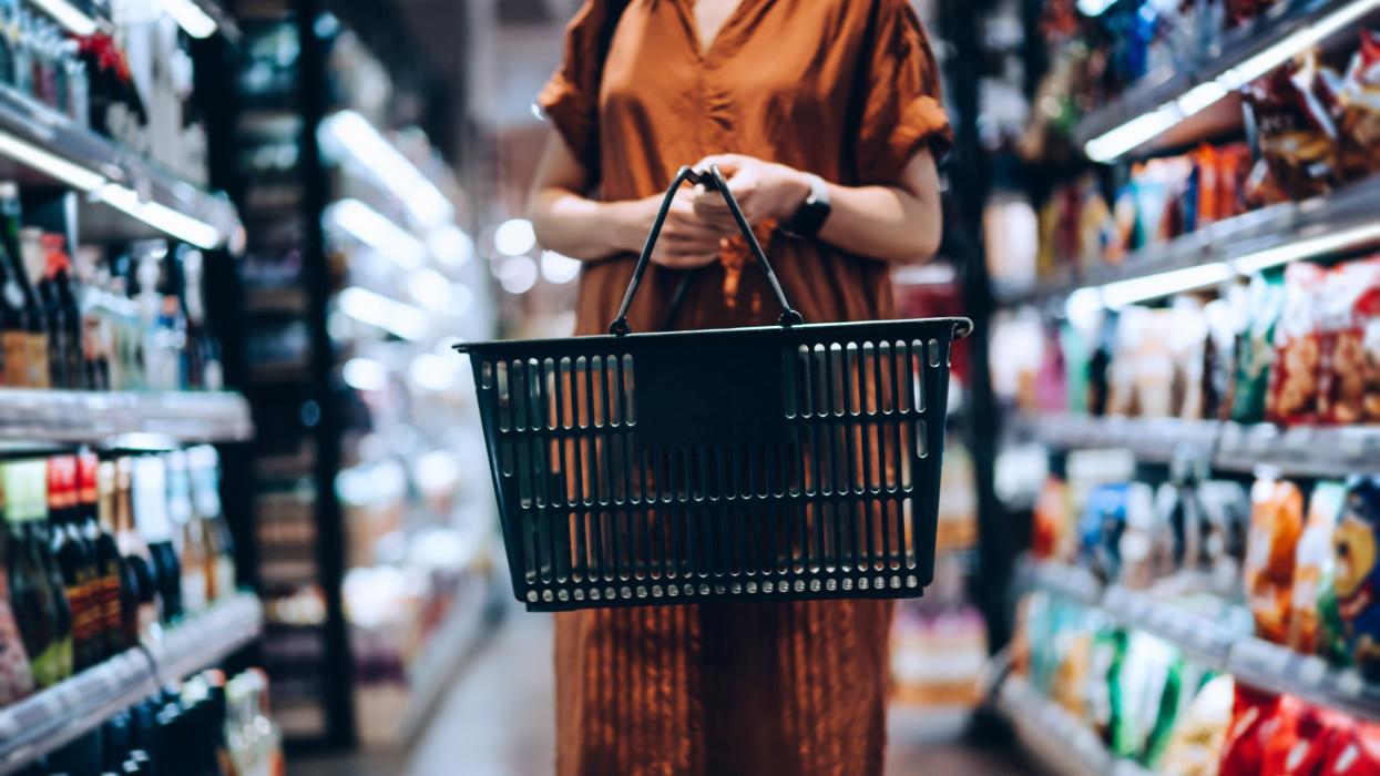 Itt a beígért tartós áremelkedés: meddig sarcolják még a magyar vásárlókat a boltok?