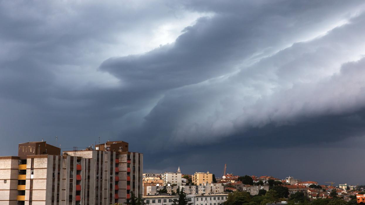 Gigavihar csap le Magyarországra szombaton: így mossa el az eső ezt a szép nyári hétvégét