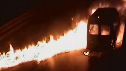 Videón az M7-esen történt katasztrófa: így égett ki pillanatok alatt a kisbusz