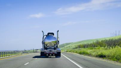 Újabb csapás a magyar autósokra: elképesztően megemelkedik a benzin ára