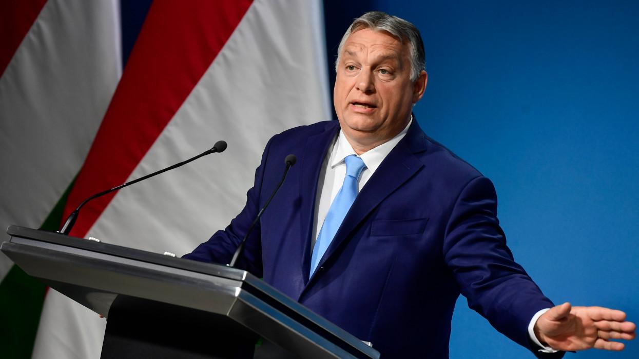 Budapest, 2021. június 10.Orbán Viktor miniszterelnök a Kormányinfó sajtótájékoztatón a Miniszterelnöki Kabinetiroda sajtótermében 2021. június 10-én.MTI/Koszticsák Szilárd