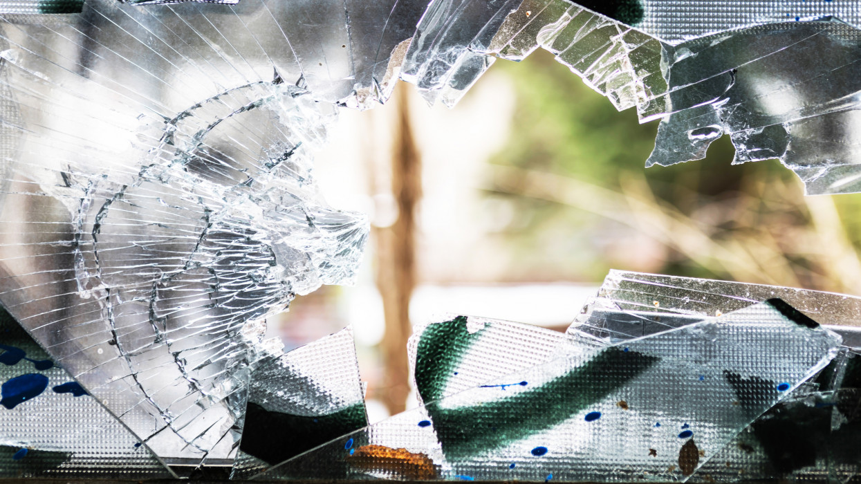Shattered window in an abandoned building (building meanwhile demolished)